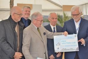 Professor Agnew recieves Vautrin Lud Prize