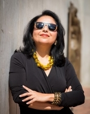 Ananya Roy sunglsses profile photo